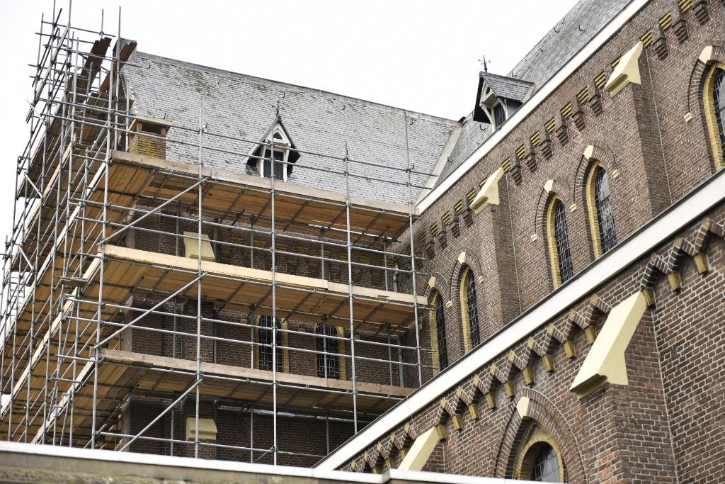 Wees een kei! Koop een lei! En steun de restauratie van de kerk. (Foto: Anja en Gerard fotografie) © rodi