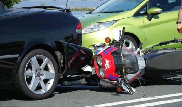 <p>Zwaar ongeluk met meerdere auto&#39;s en motor.</p>