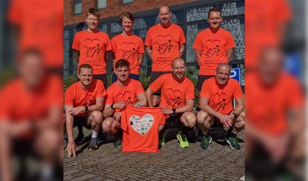 <p>Met een groot deel van het team werd het teamshirt gepresenteerd.</p>