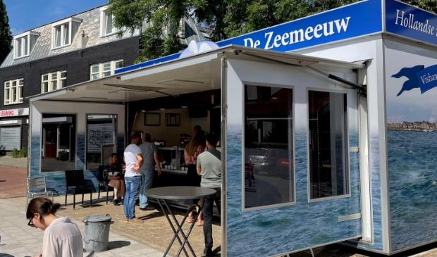 <p>Spiksplinternieuwe viskiosk De Zeemeeuw.</p>