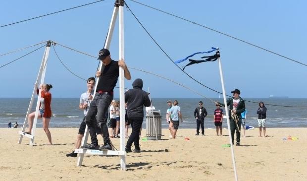 <p>&nbsp; Haagse jongeren kunnen op expeditie op het strand van Scheveningen.&nbsp;</p>