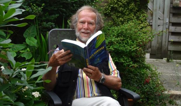 Kaj Elhorst: 'Zolang ideeën voor een verhaal of gedicht boven blijven komen, blijf ik schrijven.'