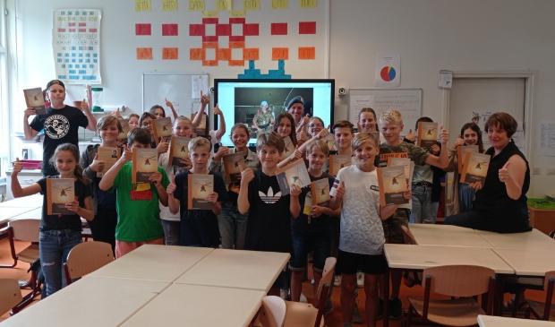 <p>De leerlingen waren onder de indruk van de verhalen van Corn&eacute; Brunt.</p>