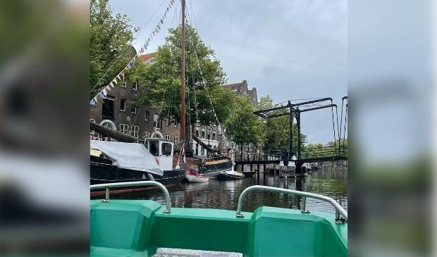 Speel deze zomer afvalbingo op de waterfiets in Schiedam Centrum.
