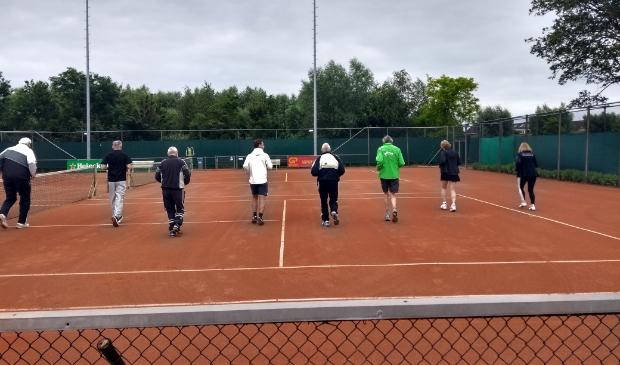 Warming up voor het tennissen.