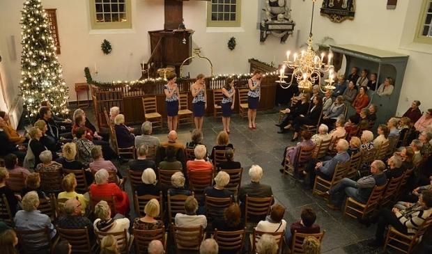 <p>De meisjes met de wijsjes, een optreden tijdens Limmen Cultuur in 2019.</p>