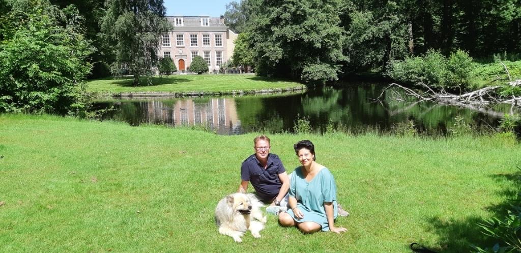 Voor René en Stefanie is het belangrijk dat hun hond Bilai kan loslopen in het park. (Foto: Frans Limbertie) © rodi