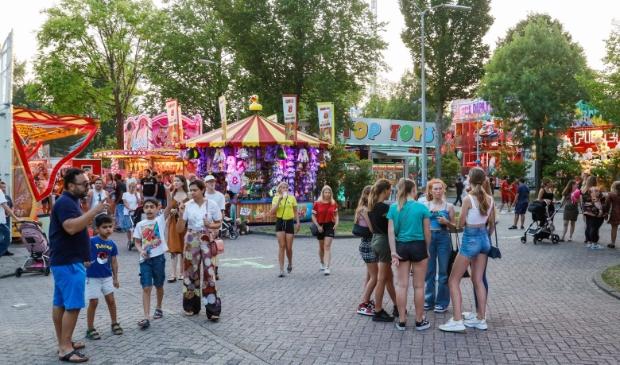 <p>In Hoorn kan iedereen naar de kermis.</p>