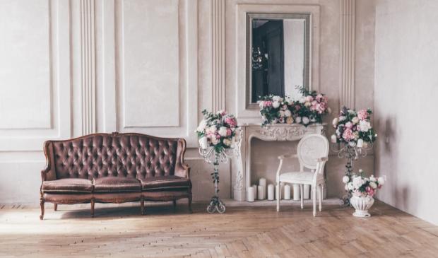 <p>Geef meubels een romantische look met wat verf. </p>