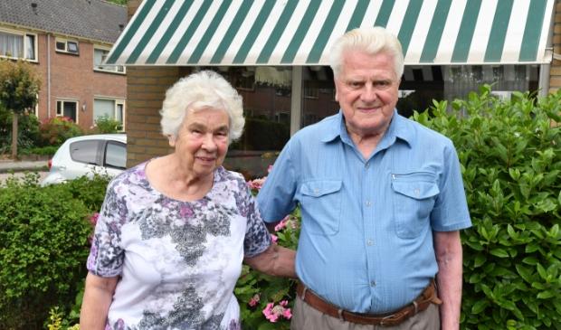 <p>Echtpaar Schutte viert 29 juli 60-jarig huwelijk. Paul Schutte is erelid van watersportvereniging De Broekerhaven.</p>