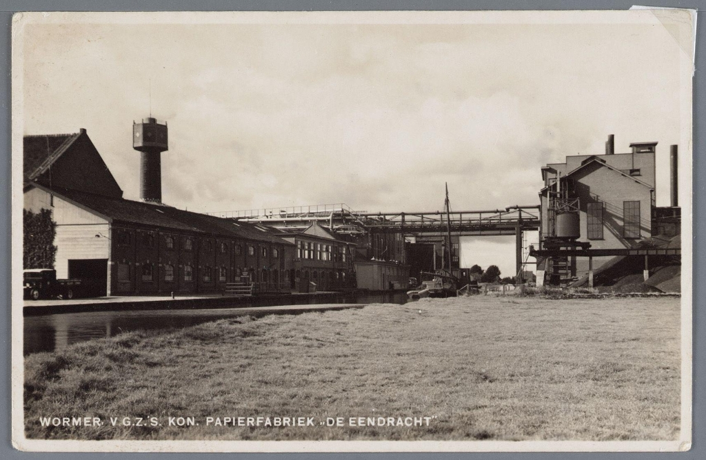 Papierfabriek Van Gelder Zonen met rechts het ketelhuis, ca 1935.  (Foto: Waterlands Archief/Deelcollectie Jan Vink) © rodi