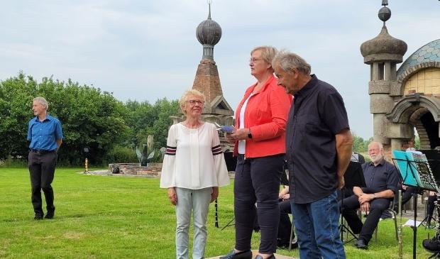 <p><br>Wethouder Mary Van Gent (m) sprak Ger en Mientje toe. </p>