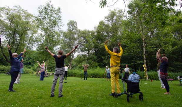<p>De Zomertafel brengt mensen in beweging en in contact met elkaar tijdens de soms stille zomermaanden. </p>