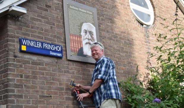 <p>Paul Fennis geeft de straten in de Jacob Geelbuurt een gezicht.</p>