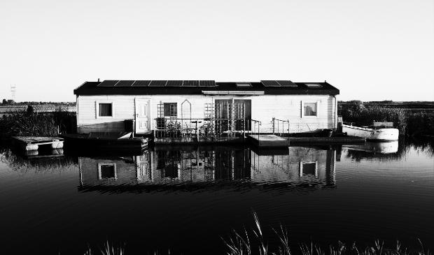 'Wonen aan het water',  Broekmeerdijk Broek in Waterland.