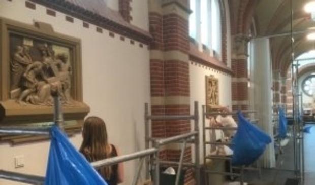 Utrechtse studenten restaureren statie.