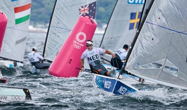 <p>Enhuizer zeiler Nicholas Heiner in actie tijdens Olympische Spelen in Tokio.</p>