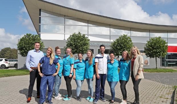 <p>Het team van Dierenkliniek Heerhugowaard.</p>
