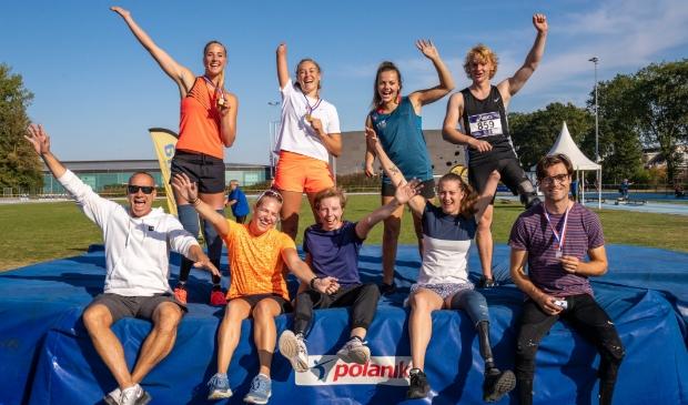 <p>Het team van Guido Bonsen in Tilburg, met Fleur Jong, Fleur Schouten, Marlene van Gansewinkel, Flip Breuer, Joel de Jong, Noelle Roorda, Nienke Timmer en Lisa Cornelissen.</p>