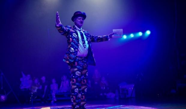<p>Circusdirecteur Fred Meijer wil dit jaar een extra groot feest maken van Tefredo&#39;s Talenten Spektakel in het Park van Luna.</p>