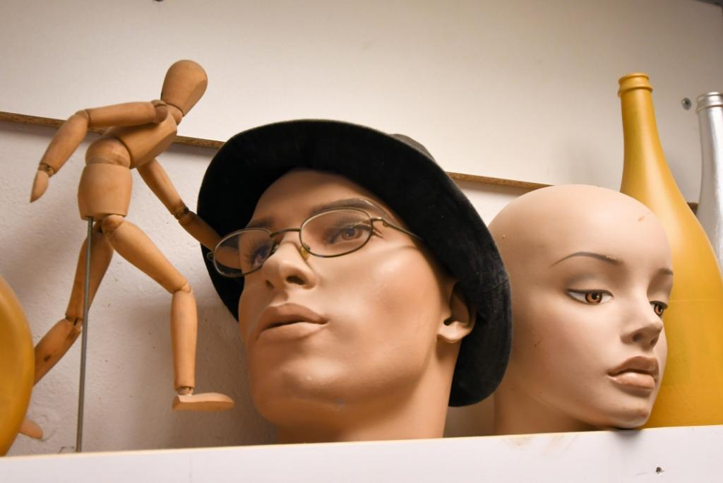 Vreemde snuiters kom je ook in het atelier tegen... ((Foto: Dirk Karten)) © rodi