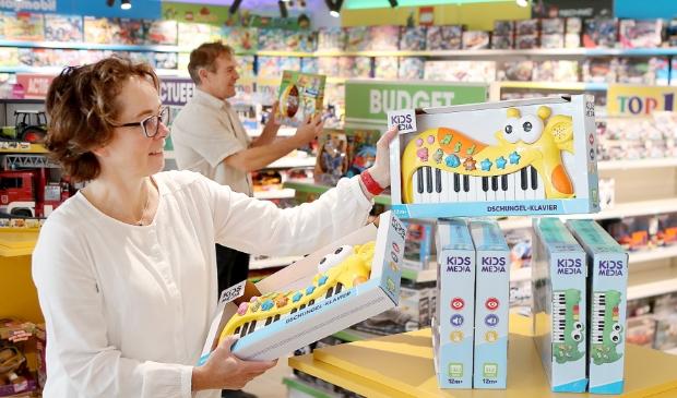 <p>ALKMAAR - Top1Toys. De nieuwe speelgoedwinkel aan de Wendelaarstraat van Kim Keijzer-Nieboer en Rob Nieboer.&nbsp;</p>