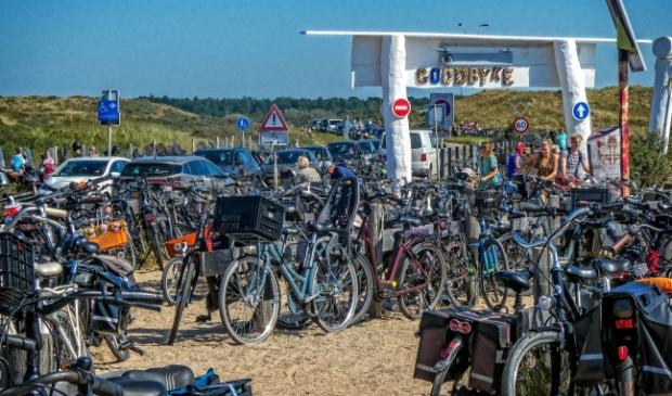 <p>Overvolle fietsenstallingen.</p>