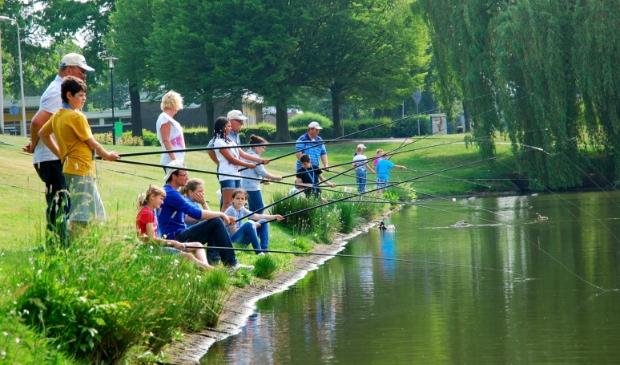 <p>Na de biologieles gaan de kinderen van groep 7 zelf vissen.</p>