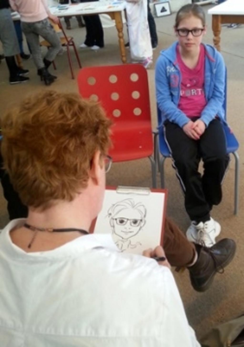 """<p pstyle=""""PLAT"""">Irene Mulder komt langs om een striptekencursus te geven. ((Foto: aangeleverd)) © rodi"""