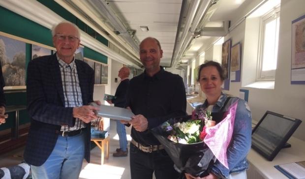 """<p class=""""ONDERSCHRIFT"""" pstyle=""""ONDERSCHRIFT"""">De familie Van der Laan werd verwelkomd door voorzitter Jacob Ouderkerken.</p>"""