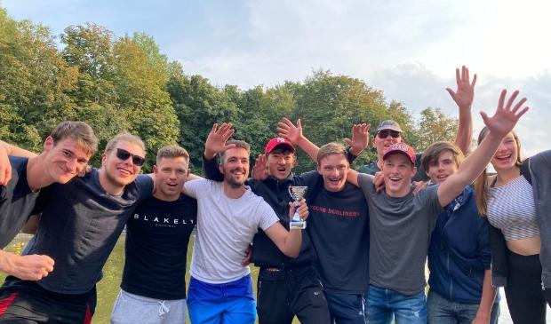 <p>Het kanopoloteam uit Haarlemmermeer leek de underdog, maar ging naar huis met de titel. </p>
