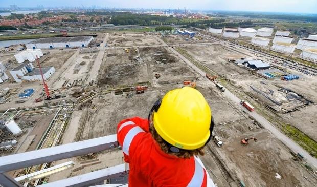 Shell Pernis bouwt een van Europa's grootste biobrandstoffabrieken.