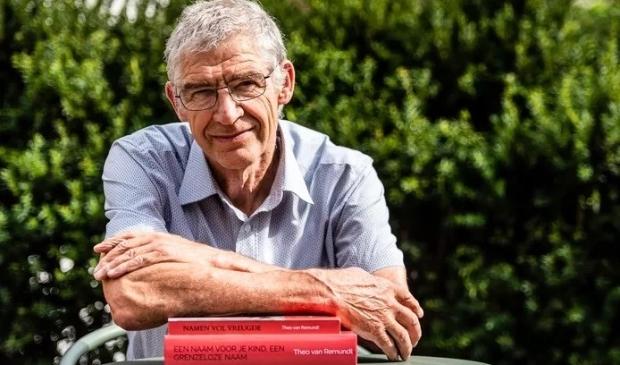 <p>Theo van Remundt heeft over de jaren meer dan 120.000 namen verzameld.</p>