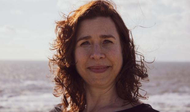 <p>Cathelijn Groot (1981) is stadssociologe en werkt als beleidsadviseur bij de federatie van woningcorporaties in Amsterdam. Kanzen is haar eerste verhalenbundel. Cathelijn woont in Castricum.</p>