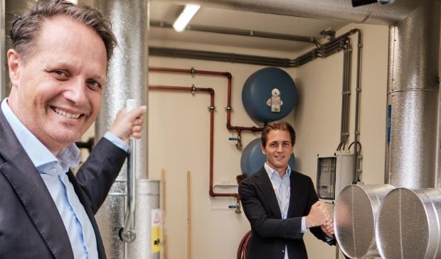 <p>Arjan ten Elshof (dir. HVC) en Jurgen Sernee (RvB Noordwest).</p>