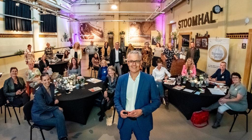 Op 5 en 6 november staat de jaarlijkse 'Livedag' in de Stoomhal in Wormer op het programma waar je jezelf en je bedrijf overtuigend leert pitchen en presenteren.  (Foto: aangeleverd) © rodi