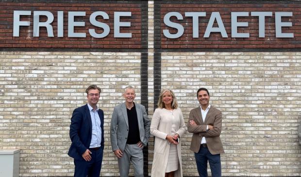 <p>Wethouder Vincent Tuijp, Fred de Boer (De Vooruitgang), Monique Cremers (De Zorgcirkel) en Stefan van Schaik (Wooncompagnie).</p>