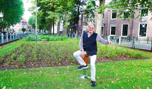 <p>Co van Dijk op de plek waar de muziektent volgens hem moet komen te staan. &quot;Het wordt een muzikale verrijking voor Hoorn, daar ben ik van overtuigd.&quot;</p>