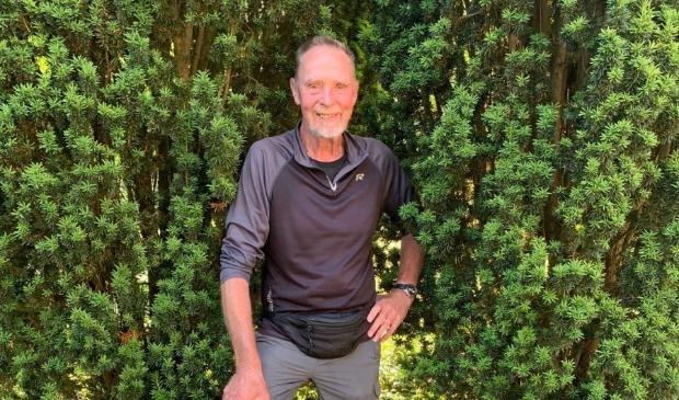 <p>Nico de Graaf wandelt 2600 kilometer voor zijn overleden vrouw Anneke.</p>