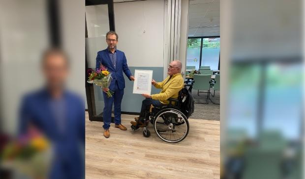 <p>Wethouder Niels Bonenkamp onderstreepte de inbreng van Jaap Dral. Een van de zalen wordt naar hem vernoemd.</p>