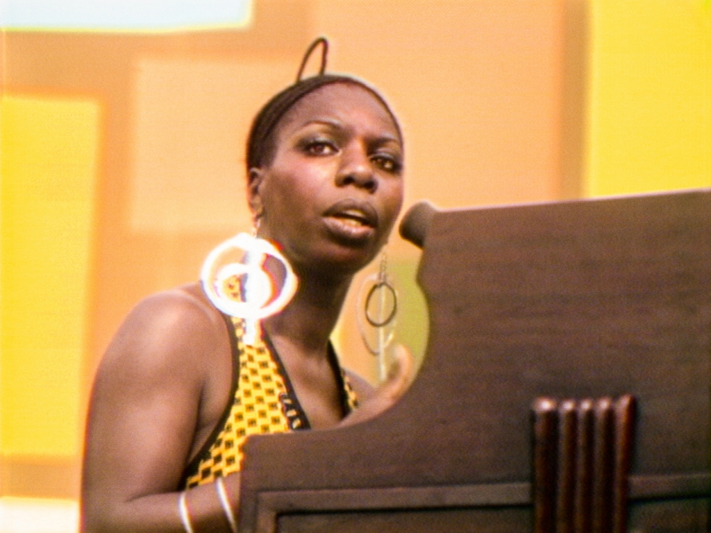 Nina Simone performs at the Harlem Cultural Festival in 1969, featured in the documentary SUMMER OF SOUL. Photo Courtesy of Searchlight Pictures. © 2021 20th Century Studios All Rights Reserved Foto: aangeleverd © rodi