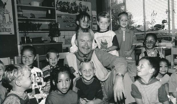 <p>Bert Heuvelman met klas Fonteinschool.</p>