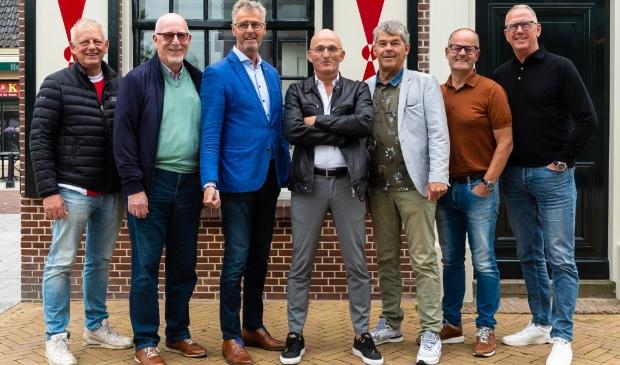 <p>Zeven van de negen bestuursleden. Van links naar rechts: Bart Kuipers, Hans van Gelder, Henk Bart, Jeroen Riemeijer, Co Boots, Richard van Alphen en Bart Tishauser. </p>