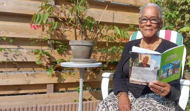 Irene Welles Burke, Schagen, Suriname, auteur, boek, schrijfster, lerares