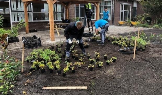 <p>De tuin is in het najaar van 2019 aangelegd. In verband met corona is de feestelijke opening steeds uitgesteld.<br><br></p>