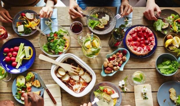 <p>Samen eten tegen eenzaamheid.</p>