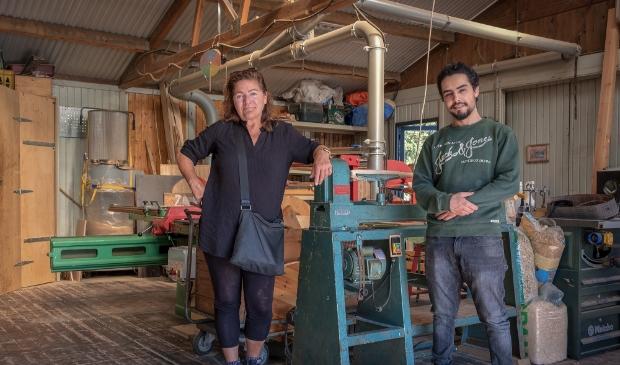 Nora en Akram zijn vrijwilliger bij Buurtwerkplaats Noorderhof