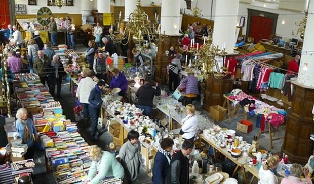 <p>Leuke tweedehands spulletjes te vinden in de Broekerkerk.&nbsp;</p>
