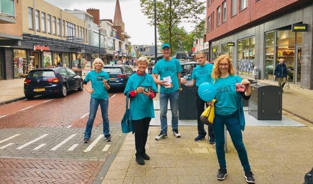 <p>Vrijwilligers in het centrum van Heemskerk</p>