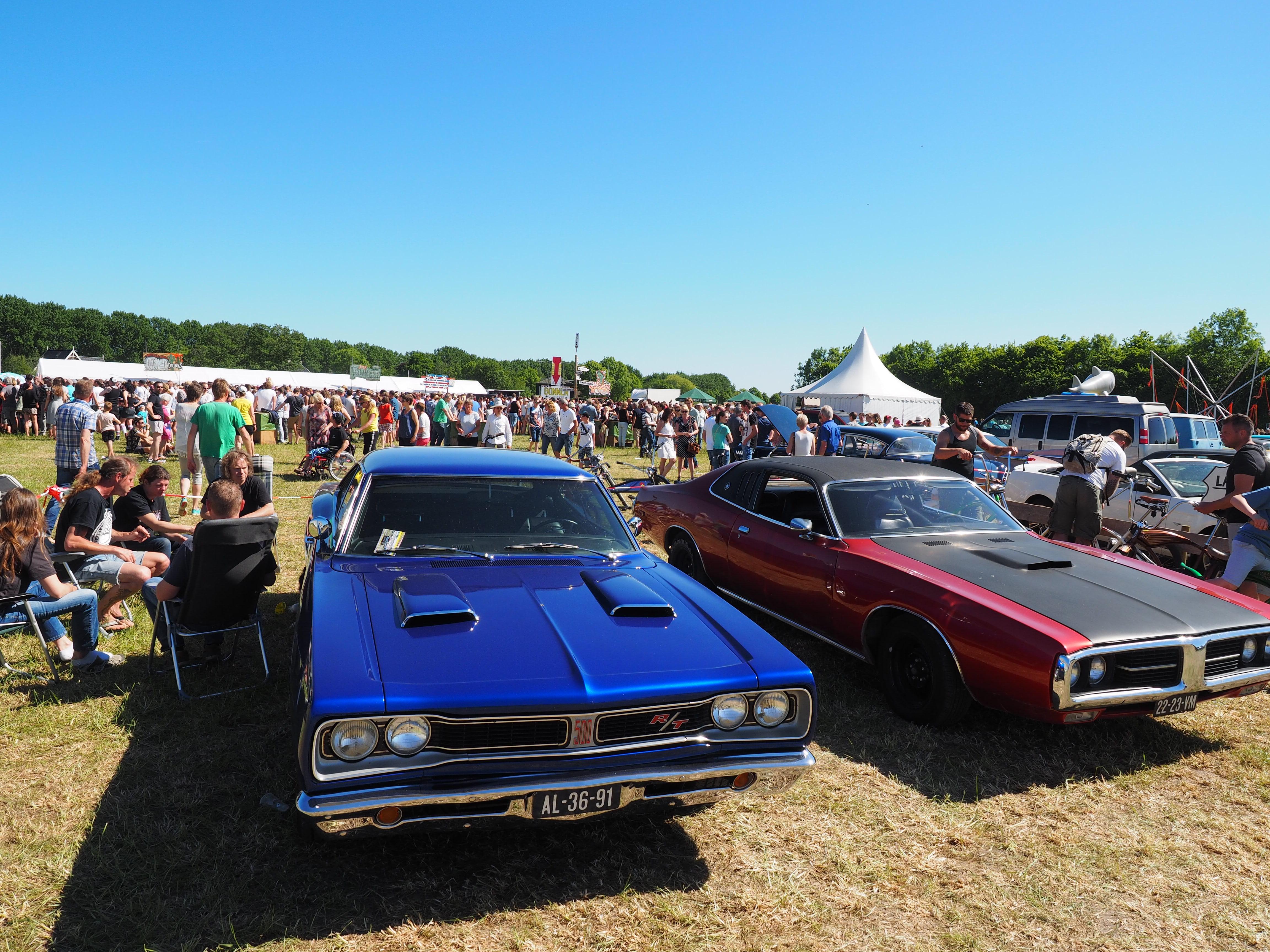 Liefhebbers van mooie Amerikaanse auto's halen met Hemelvaartsdag hun hart op tijdens Cars 'n Bands, Stars & Stripes. (Foto: CBSS)